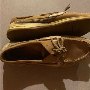 Used womens sperry top sider 9.5